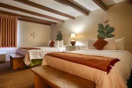 32038_004_Guestroom