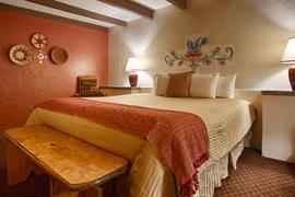 32038_005_Guestroom