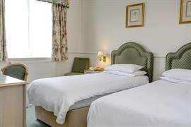 montague-hotel-bedrooms-80-83902