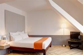 93786_006_Guestroom