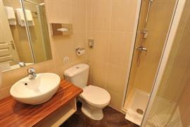 93674_006_Guestroom