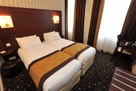 93674_007_Guestroom
