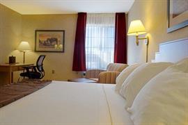 32110_003_Guestroom