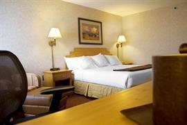 32110_005_Guestroom