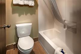 26176_003_Guestroom
