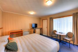 90473_002_Guestroom