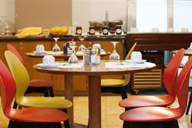 77548_006_Restaurant