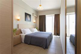 77716_002_Guestroom