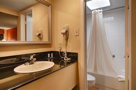 44577_004_Guestroom