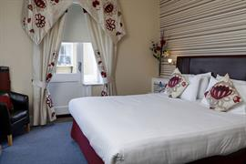 new-holmwood-hotel-bedrooms-21-83365