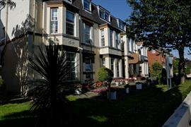 new-kent-hotel-grounds-and-hotel-10-83326