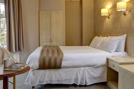 new-kent-hotel-bedrooms-29-83326