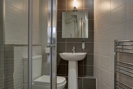 new-kent-hotel-bedrooms-31-83326