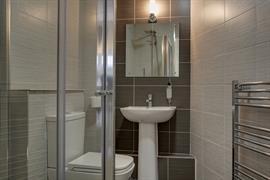 new-kent-hotel-bedrooms-31-83326