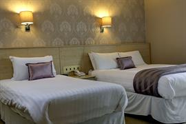 new-kent-hotel-bedrooms-39-83326
