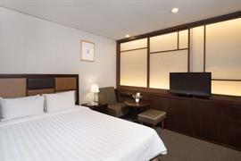 99504_003_Guestroom