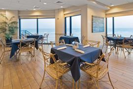 10390_004_Restaurant