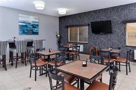 38135_007_Restaurant