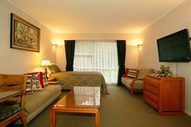 85460_005_Guestroom