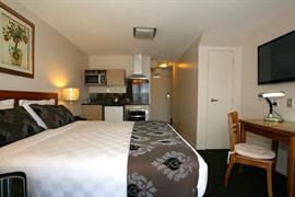 85460_006_Guestroom