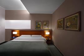 77599_006_Guestroom