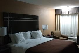 44184_006_Guestroom