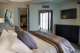 34075_003_Guestroom
