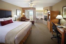 38105_003_Guestroom