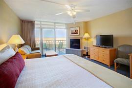 38105_004_Guestroom