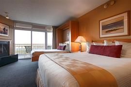 38105_005_Guestroom