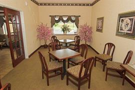 47108_002_Restaurant