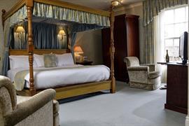 le-strange-arms-hotel-bedrooms-53-83646