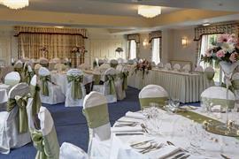 le-strange-arms-hotel-wedding-events-09-83646