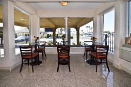 05630_006_Restaurant