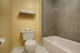 05494_007_Guestroom
