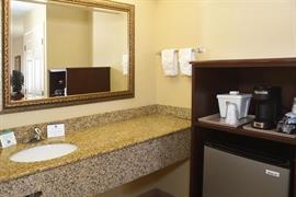 10346_005_Guestroom