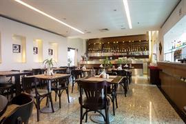 77043_003_Restaurant