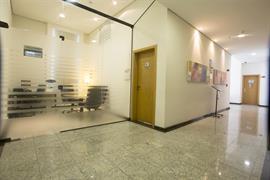 77043_006_Businesscenter