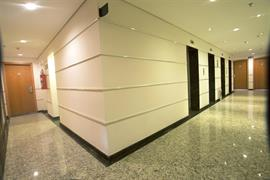 77043_007_Guestroom