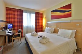98293_002_Guestroom