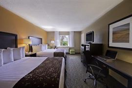 10225_004_Guestroom