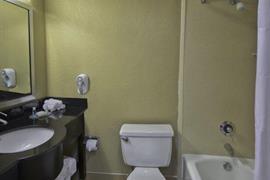 10225_006_Guestroom