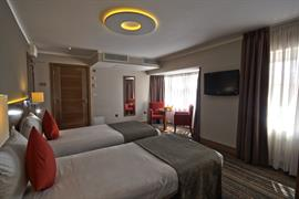 palm-hotel-bedrooms-21-83924