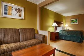 44510_007_Guestroom