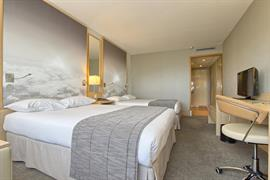 93714_004_Guestroom