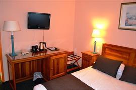 93456_002_Guestroom