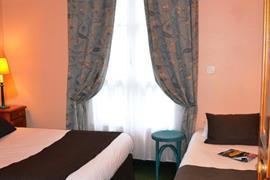 93456_005_Guestroom
