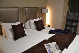 93456_007_Guestroom