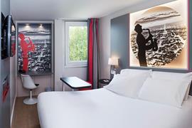 93842_000_Guestroom
