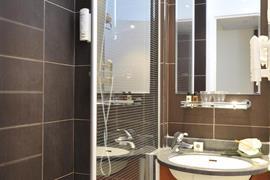 93842_001_Guestroom